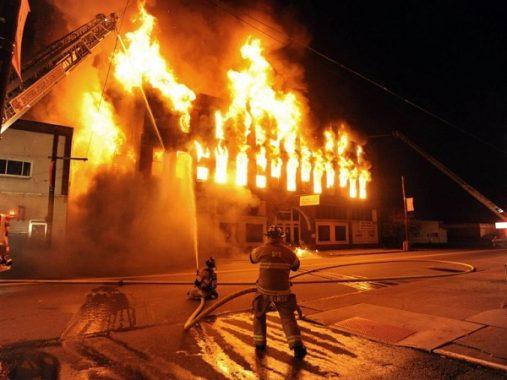 Nằm mơ thấy cháy nhà là điềm lành hay điềm dữ, đánh con gì chắc ăn nhất?